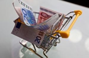 euro-w-wózku-na-zakupy-300x198